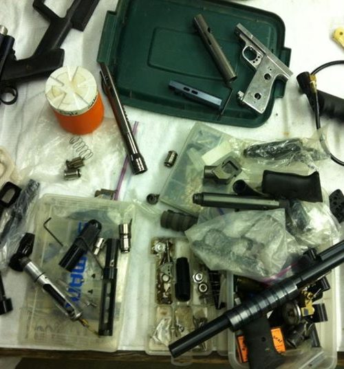 cluttered-work-bench